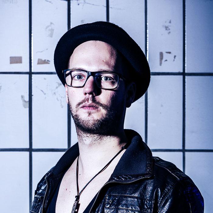 Hendrik Ossenbrink (drums)
